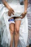 Courroie de jarretière de mariage photo stock