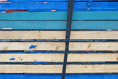 Courroie sur le bois multicolore photographie stock libre de droits
