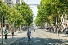 Cours Belsunce huvudsaklig boulevard i Marseille, Frankrike Arkivfoton