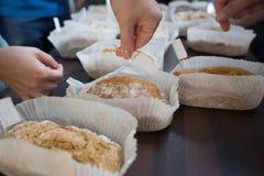 Cours de cuisine irlandais traditionnel de pain de soude Photographie stock libre de droits