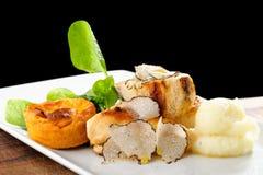 Cours dinant fin de courrier, blanc de poulet grillé Photographie stock libre de droits