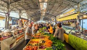 Cours Massena provencal市场在老镇,安地比斯 免版税库存图片