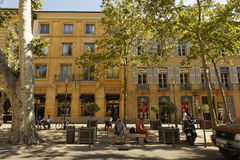 Cours Mirabeau - en Провансаль AIX Стоковое фото RF