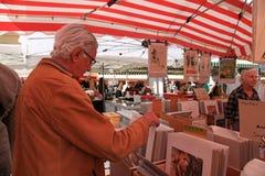 Cours Saleya,古色古香的市场在尼斯,法国 免版税库存照片