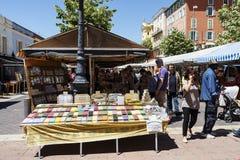 Cours Saleya en Niza en Francia Imágenes de archivo libres de regalías