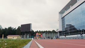 Course chez 800 mètres des femmes banque de vidéos