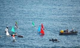 Course de bateaux de yacht de navigation Image libre de droits