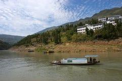 Course de fleuve de Yang Tsé Kiang de bateau de taxi de l'eau de Peapod, Chine Photo stock