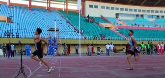 Course de 100 mètres Images libres de droits