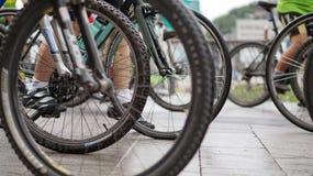 Course de recyclage, résumé faisant du vélo Image stock