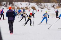 Course 2017 du ` s d'enfants de marathon de ski de Nikolov Perevoz Russialoppet Images stock