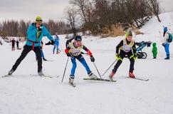 Course 2017 du ` s d'enfants de marathon de ski de Nikolov Perevoz Russialoppet Photo libre de droits