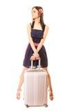 Course et vacances Femme avec le sac de bagage de valise Photographie stock libre de droits