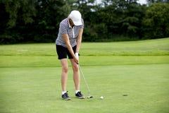 course lato golfowej bawić się kobiety Obrazy Stock