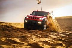 Courses d'automobiles dans le ¼ Œchina de desertï Photo stock