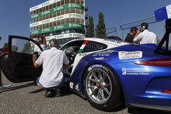 Courses d'automobiles de l'Italie de tasse de Porsche Carrera Image libre de droits