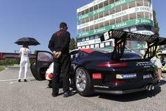 Courses d'automobiles de l'Italie de tasse de Porsche Carrera Photo libre de droits
