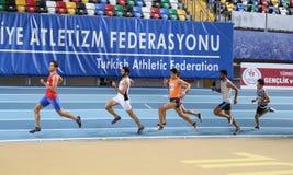 Courses d'intérieur de tentative de disque d'athlétisme Image libre de droits