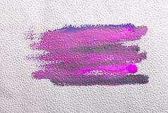 Courses de brosse colorées par violette Photos libres de droits