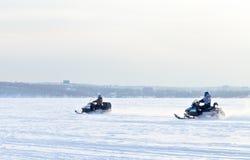 Courses de chien de traîneau de course de Baikal Images stock