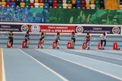 Courses record olympiques d'intérieur de tentative Photographie stock