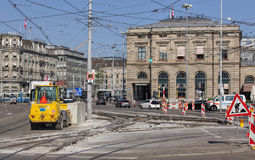 Courses sur route sur le quai de Bahnhofquai Images stock