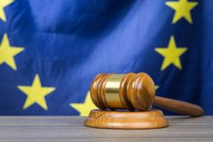 Free Court Gavel With European Union Flag In The Background Royalty Free Stock Images - 127399639