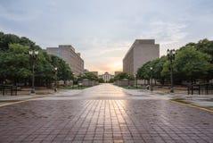 Court suprême de Lansing Michigan au coucher du soleil avec une réflexion par la ville Photos stock