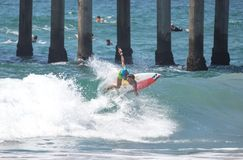 Courtney Conlogue som konkurrerar på US Open av att surfa 2018 royaltyfri bild