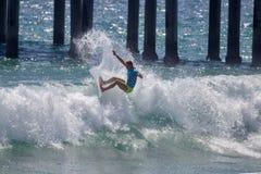 Courtney Conlogue som konkurrerar på US Open av att surfa 2018competing på US Open av att surfa 2018 royaltyfria bilder