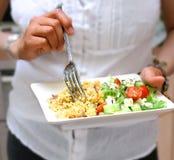 cous cous avec de la salade grecque Photographie stock