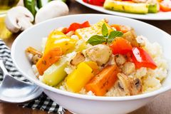 Cous cous com vegetarianos foto de stock royalty free