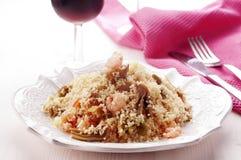 Couscous mit Garnelen Stockfoto