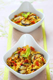 Couscoussalat mit Gemüse Lizenzfreie Stockbilder