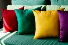 coussins colorés en soie Photographie stock libre de droits