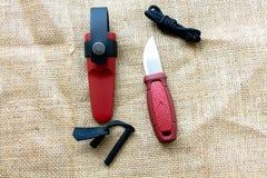 Couteau de touristes avec du silex Images stock