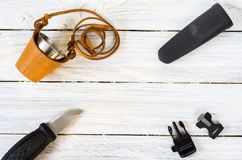 Couteau de touristes dans la gaine en plastique Inventaire de touristes Copyspace Images libres de droits