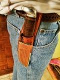 Couteau engainé sur la ceinture photo stock