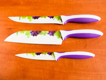 Couteaux de cuisine en céramique Images stock