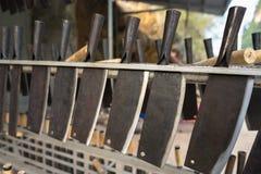 Couteaux traditionnels de forge en province de Cao Bang, Vietnam photos libres de droits