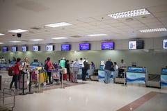 Couter signent l'aéroport international intérieur de Chiang Mai Photographie stock libre de droits