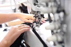 Couture sur une machine Photo stock