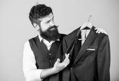 Κομψό κοστούμι συνήθειας Προσαρμογή και σχέδιο ενδυμάτων Τέλεια τακτοποίηση Επί παραγγελία στο μέτρο Προσαρμοσμένη έννοια κοστουμ στοκ εικόνα με δικαίωμα ελεύθερης χρήσης