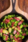 Couve-de-bruxelas e bacon Imagem de Stock Royalty Free