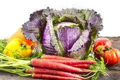Couve-de-milão e outros vegetais imagem de stock royalty free