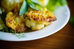 Couve-flor fritada na massa Imagem de Stock