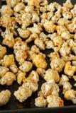 Couve-flor roasted saudável em uma bandeja do forno Imagem de Stock