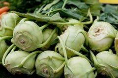 Couve verde fresca da couve-rábano no mercado Imagens de Stock Royalty Free