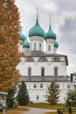 Couvent de Vvedensky Tolga Le monastère des femmes orthodoxes dans Yaroslavl sur la banque gauche de Volga Fondé en 1314 image libre de droits