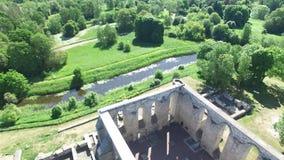 Couvent des ruines de St Birgitta à Tallinn, Estonie banque de vidéos